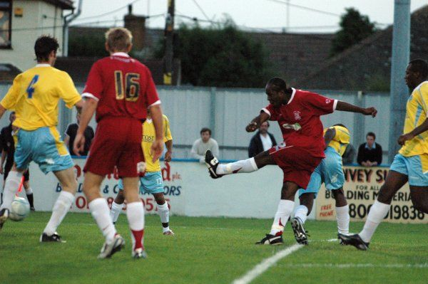 CANVEY, ENGLAND - 20/07/2007: Franck Moussa scores from the edge of the Canvey Island penalty box. CREDIT: Galvineyes/Garry Bowden