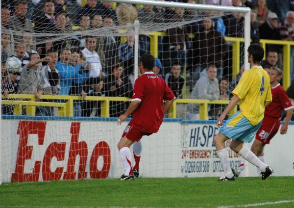CANVEY, ENGLAND - 20/07/2007: Lee Bradbury scores his second goal of the evening in front of a packed Canvey terrace. CREDIT: Galvineyes/Garry Bowden