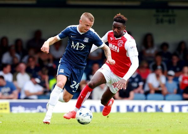 Southend Utd v Fleetwood Town  Roots Hall - Sat 27th August 2016  Credit: David Field    Southend's Jason Demetriou and Fleetwood's Devante Cole