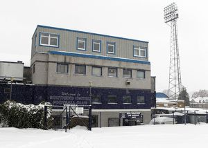 <b>A snowy Roots Hall</b><br>Selection of 52 items